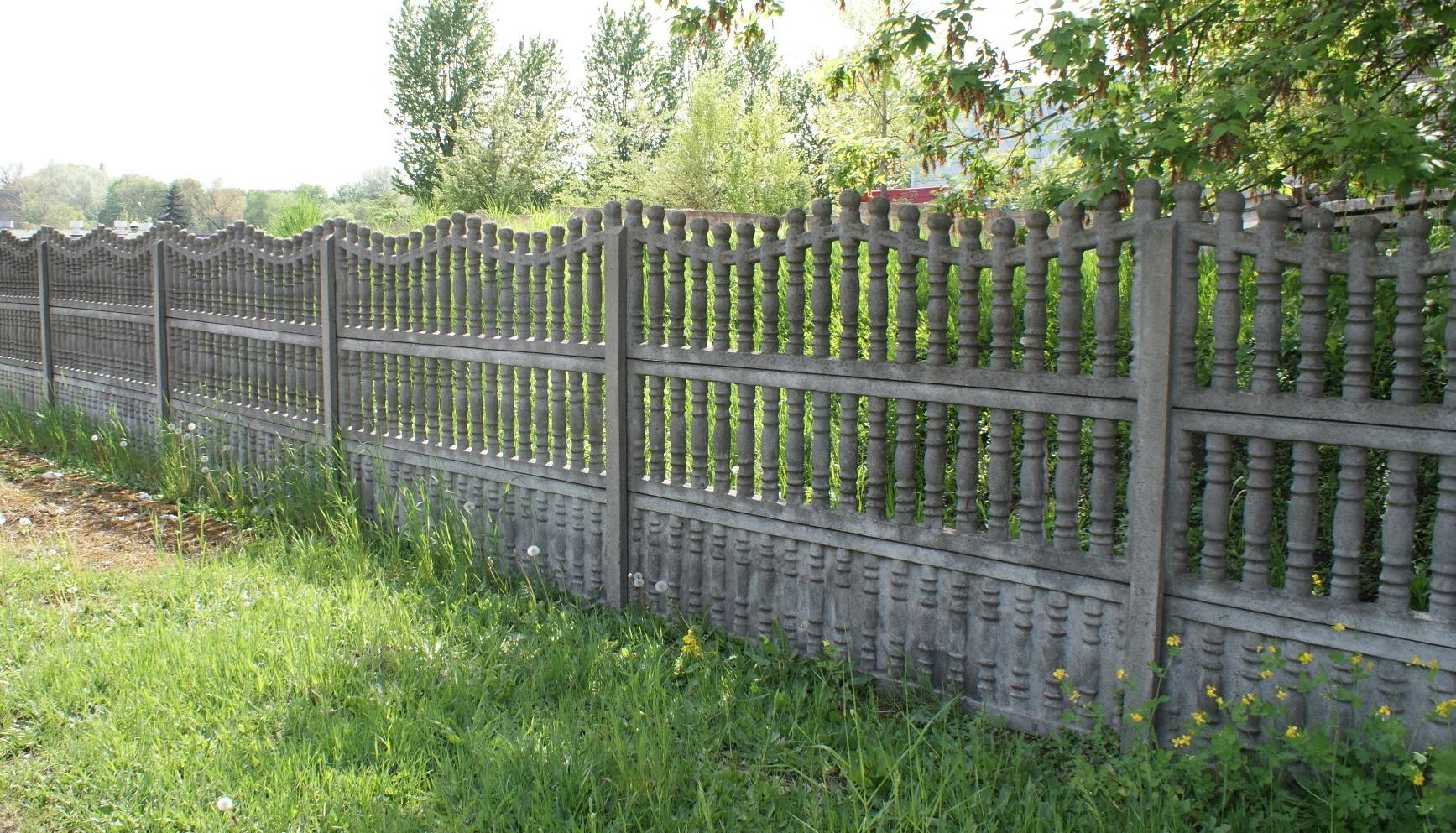 Kerítés, ami elválasztja vagy összeköti a szomszédokat