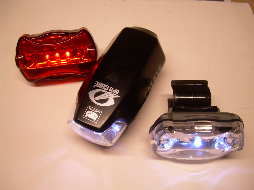Biztonságot nyújt a kerékpár elemes lámpa