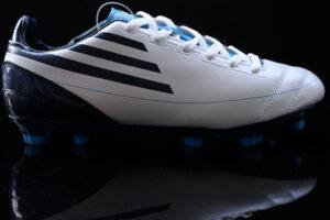Adidas focicipő kedvező áron