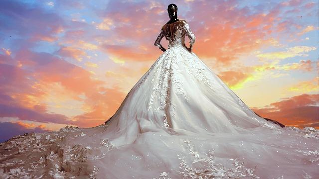 Gyönyörű menyasszonyi ruhák