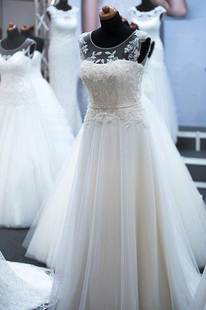 Szebbnél szebb esküvői ruhák